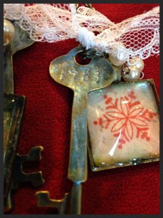 Winter key necklace2